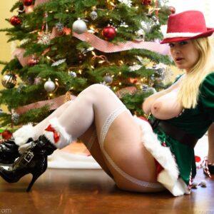 jingle-bell-jangle-danielle-ftv-porn-garter-stockings