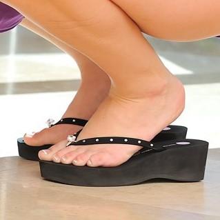 black-platform-flip-flops